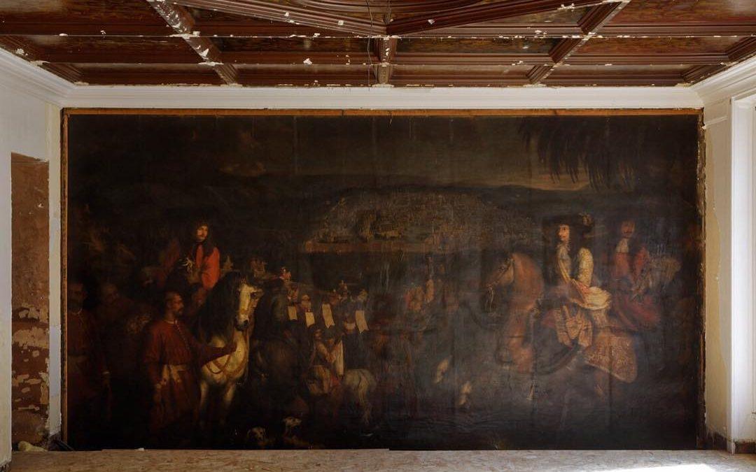 Enorm, verstopt olieverf-schilderij ontdekt in kantoor Parijs