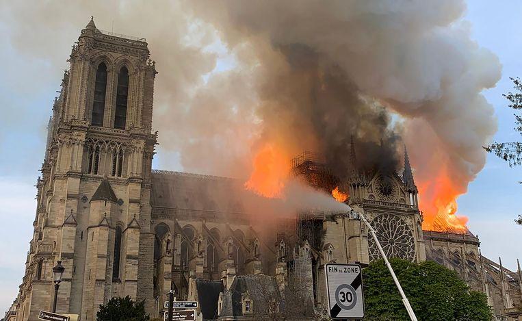 Catastrofale brand voor Notre Dame ….